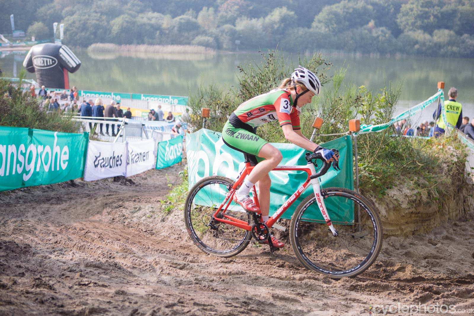 Rozemarijn Ammerlaan in the third lap of the women's Superprestige race in Gieten, The Netherlands. All rights reserved. �Balint Hamvas / Cyclephotos