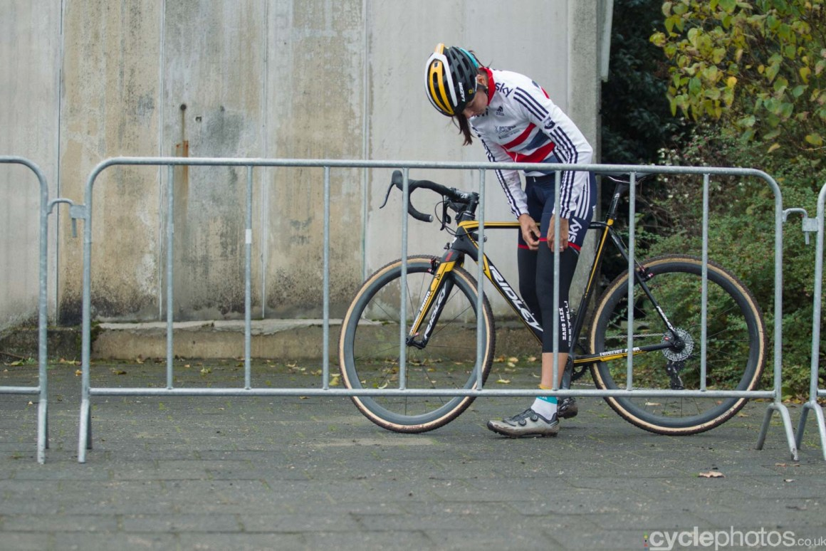 2015-cyclephotos-cyclocross-eucx-huijbergen-112044-nikki-harris