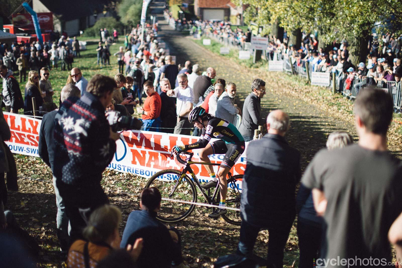 2015-cyclephotos-cyclocross-koppenberg-151337-nikki-harris