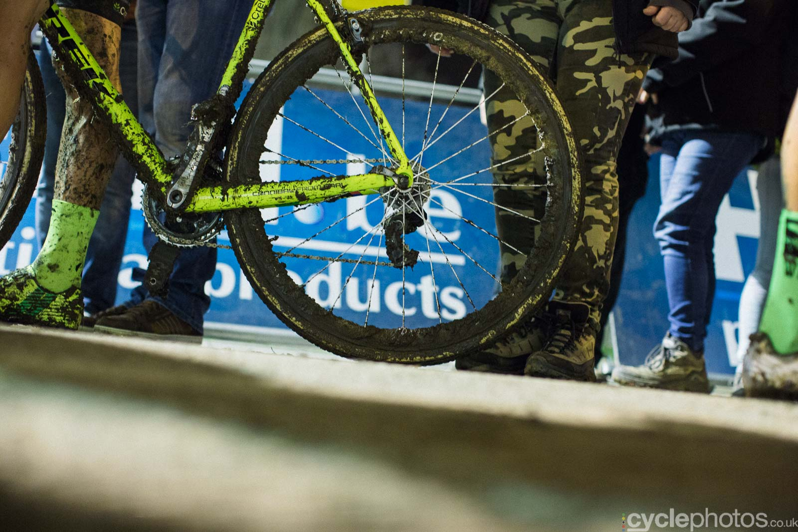 2015-cyclephotos-cyclocross-diegem-183438-sven-wheel