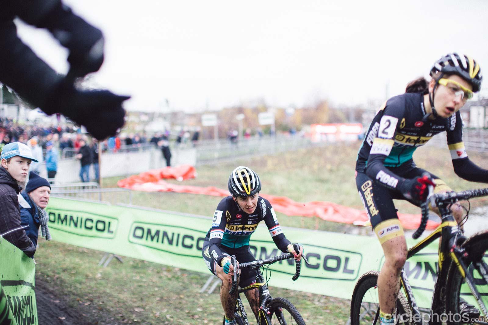 2015-cyclephotos-cyclocross-essen-135518-nikki-harris