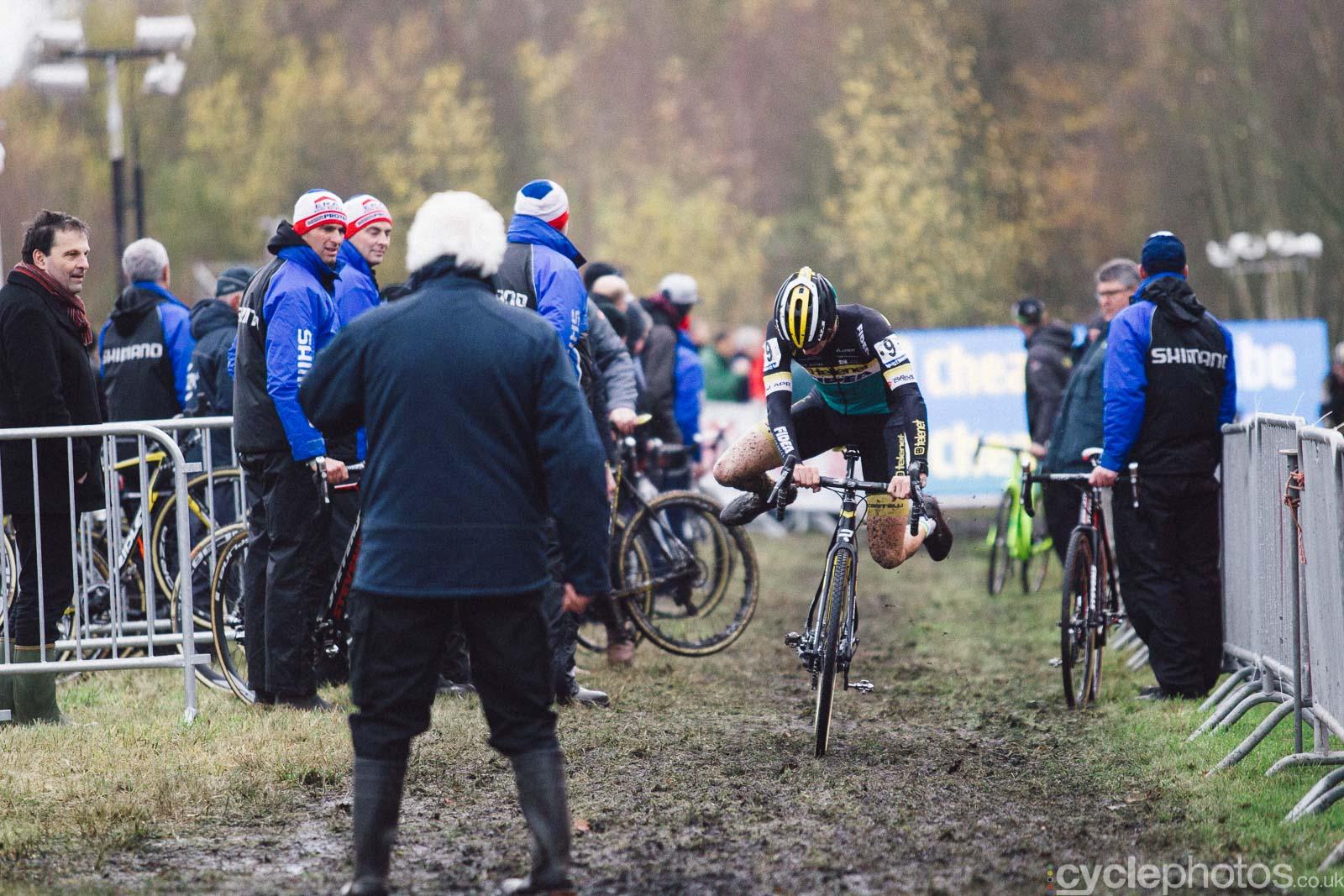 2015-cyclephotos-cyclocross-essen-153239-corne-van-kessel