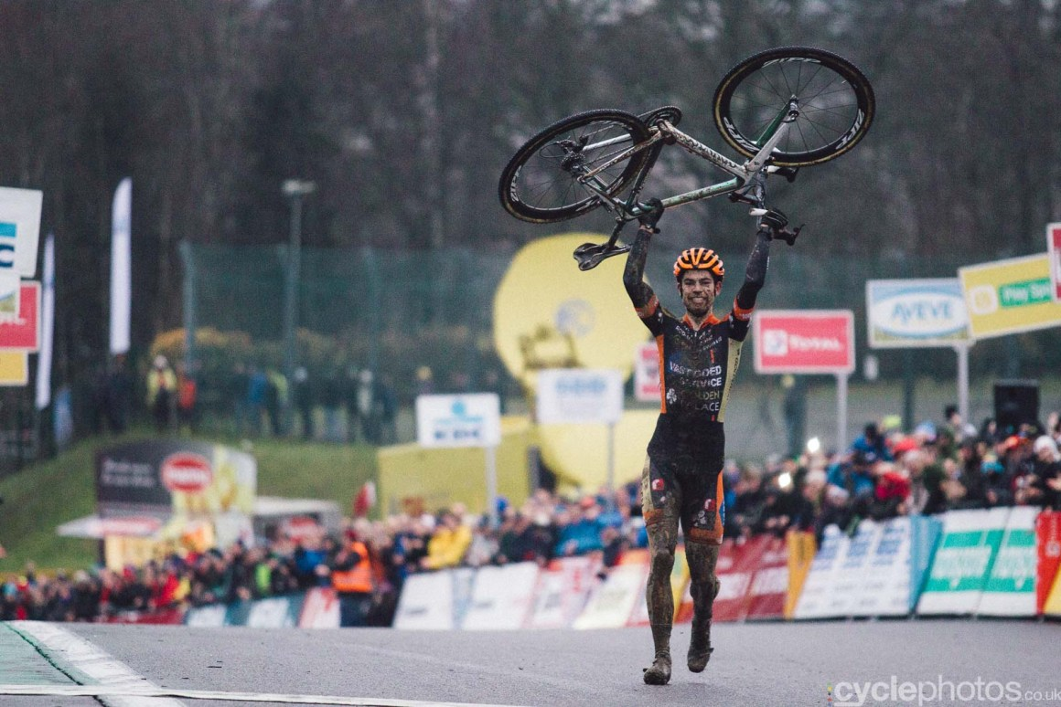 2015-cyclephotos-cyclocross-spa-160338-wout-van-aert