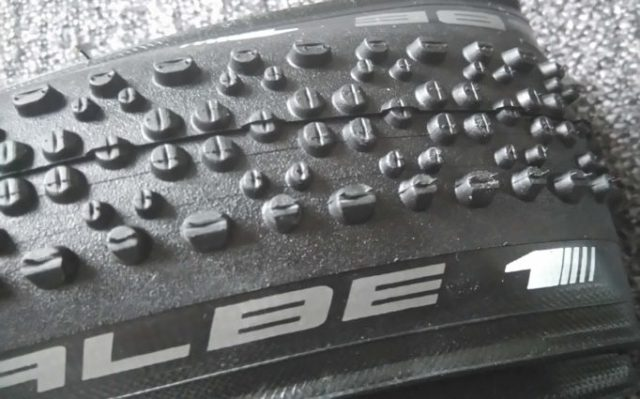 The Schwalbe X One doesnt look like a super aggresive mud tyre, but it acts like one