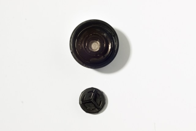 The Stratus bottle top comes apart, making cleaning a breeze