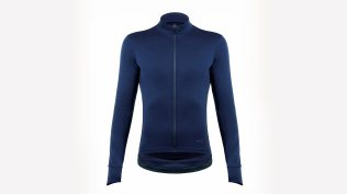 Svelte Heritage Long Sleeve jersey promises three season use