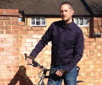 The Road Rags 531cc Ventile Jacket looks like a 'normal' jacket, while still being a practical piece of kit