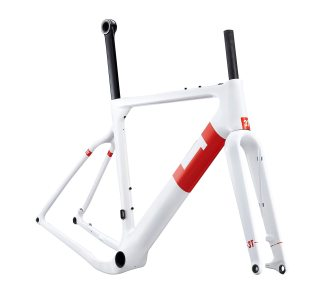Internal cables, hoses and seatpost clamp clean up the frame aerodynamically and visually.