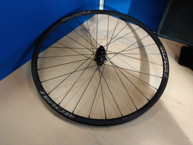 OVAL 723 disc wheelset