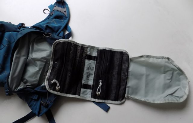 There's a tool roll hidden away in the bottom pocket