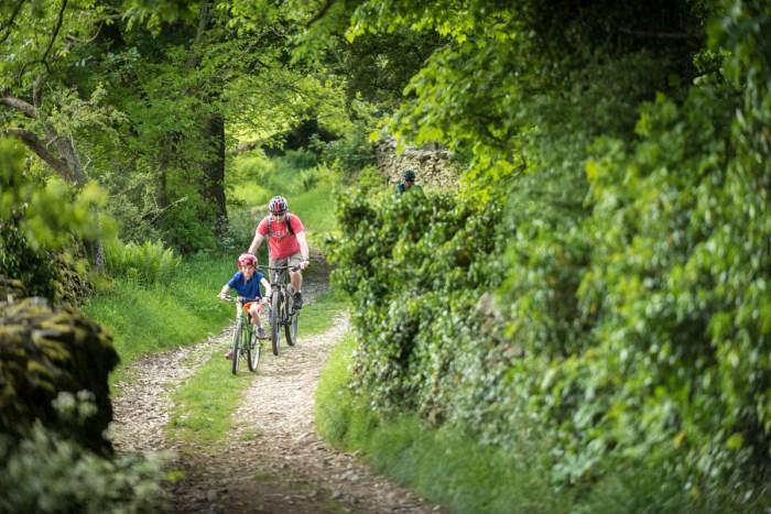 Easy stone track riding