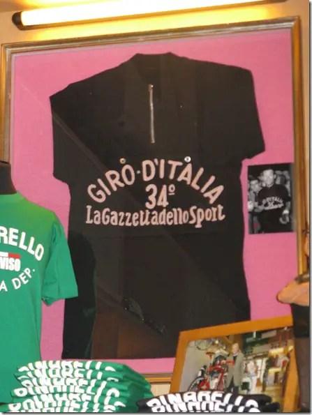 The Black Jersey of Giovanni Pinarello