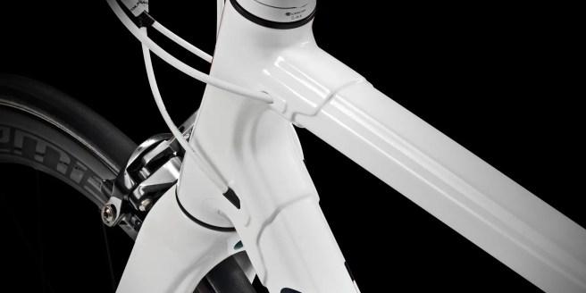 Colnago C60 Italia internal cable routing
