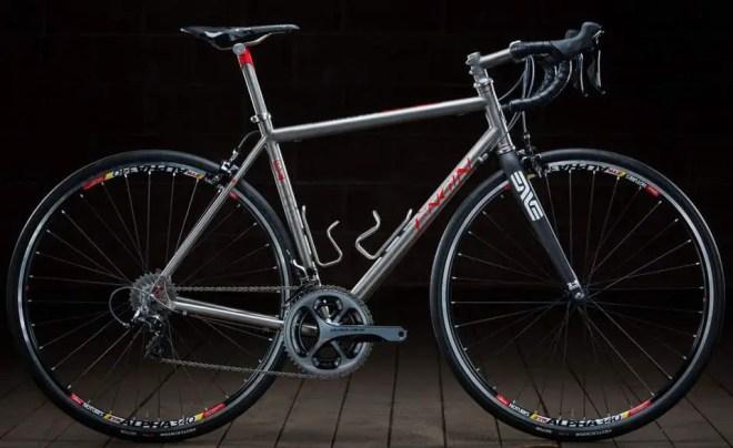 Engin Road Bike