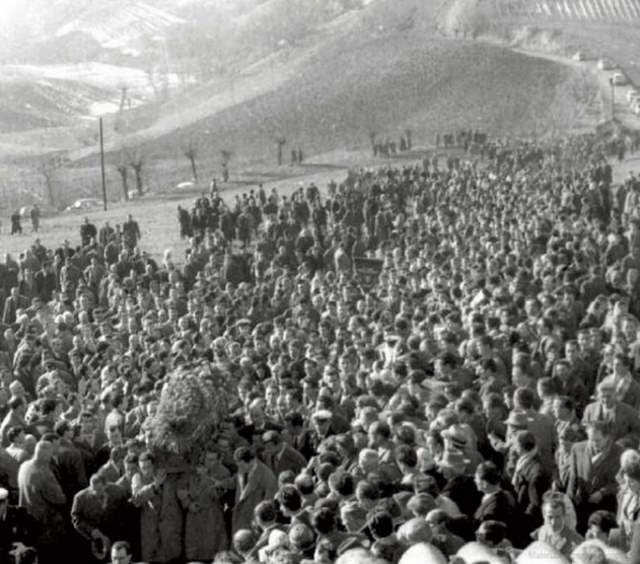 The funeral of Fausto Coppi