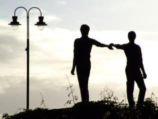 hands across the divide, Derry