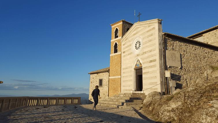 La Rocca dei Frangipane di Tolfa: passeggiando nella storia
