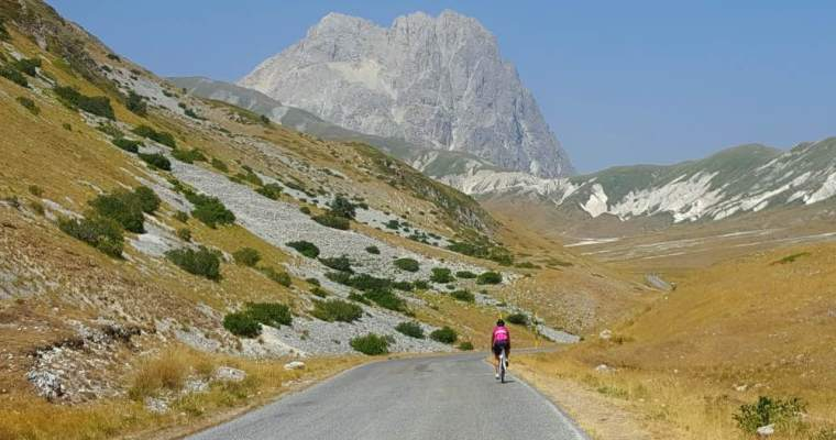 Campo Imperatore in bicicletta: la salita da Assergi (AQ)