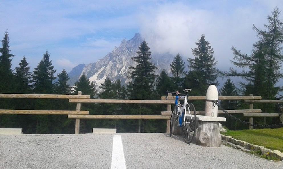 ossario-monumentale-del-pasubio_monte-pasubio-piccole-dolomiti-in-bici-da-strada