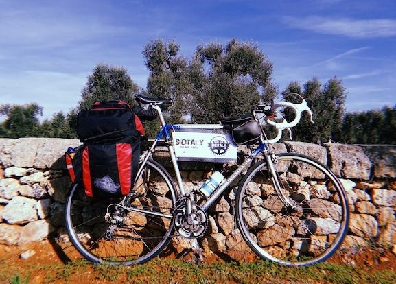 In bicicletta da Milano a Lecce: il viaggio di Giovanni