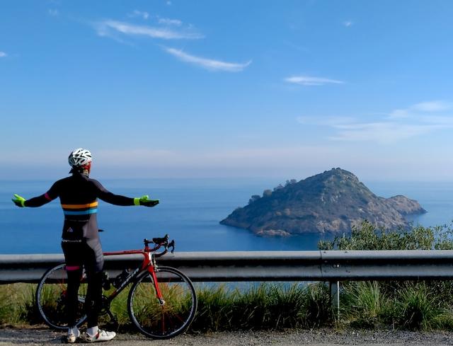 Toscana in bicicletta: pedalando nella storia tra mare e terra