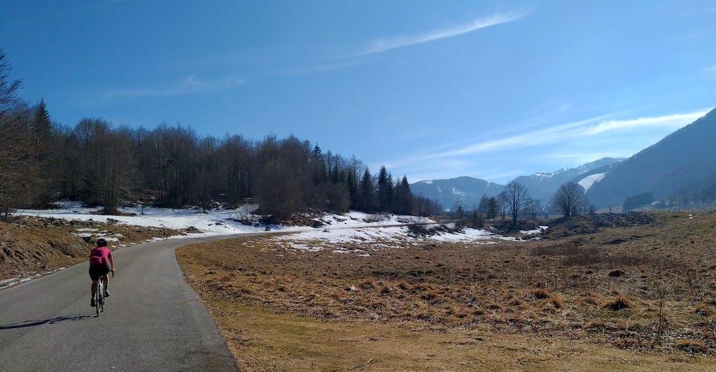 Piancavallo da Barcis in bicicletta: il lato selvaggio del Monte Cavallo