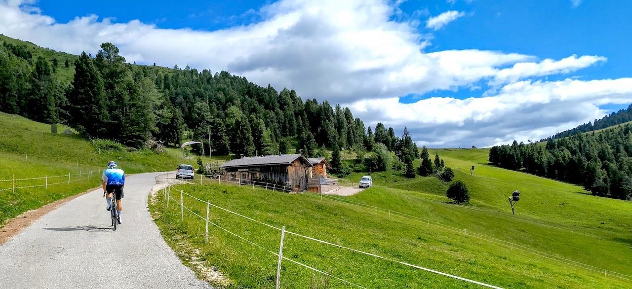 Passo di Pampeago in bicicletta: i versanti di Tesero (TN) e Ponte Nova (BZ)