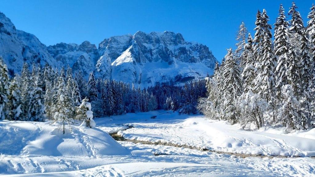 Jöf di Montasio visto dalla Val Saisera