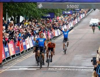 Championnats d'Europe de cyclisme sur route : comment Trentin a triomphé de Van Aert et Van der Poel