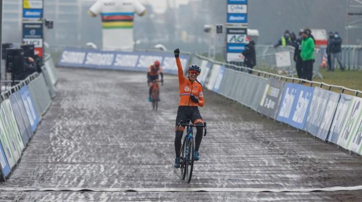 Lucinda Brand Vainqueur - Championnats du monde cyclo-cross 2021 - Alain Vandepontseele