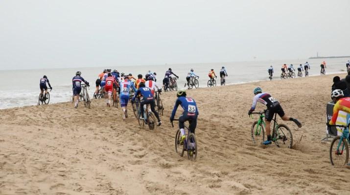 Peloton Hommes Plage - Championnats du monde de cyclo-cross 2021 - Alain Vandepontseele