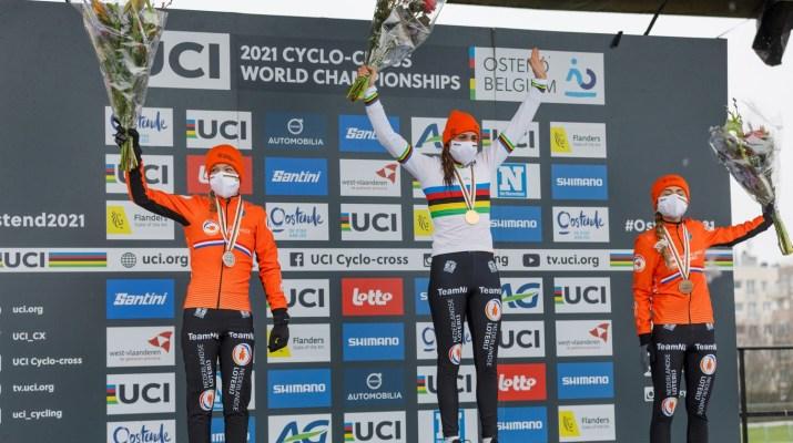 Podium Femmes Annemarie Worst Lucinda Brand Denise Betsema - Championnats du monde cyclo-cross 2021 - Alain Vandepontseele