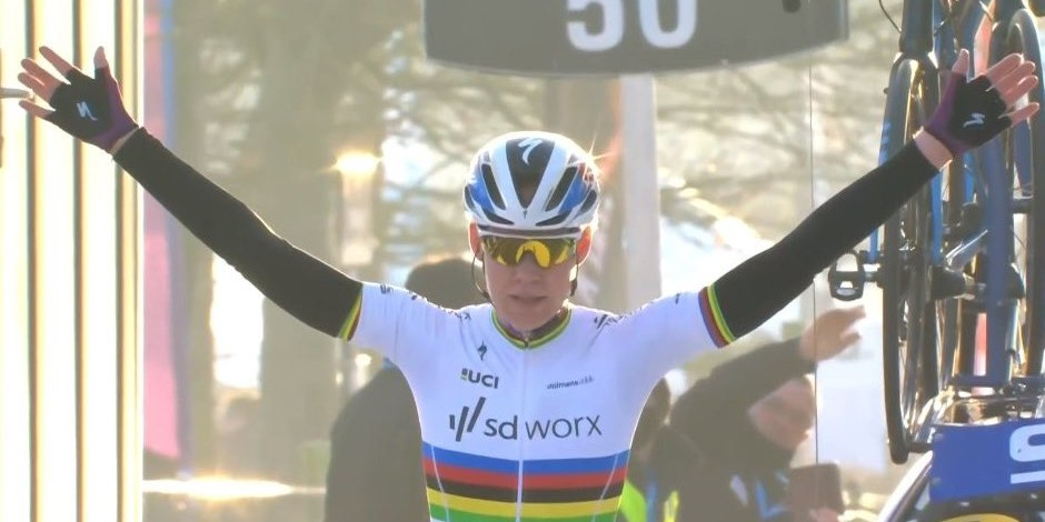 Anna van der Breggen - Victoire Circuit Het Nieuwsblad femmes 2021