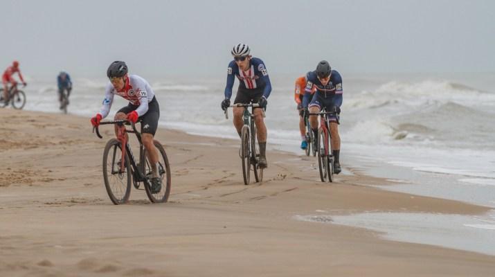 Timon Ruegg Curtis White Poursuite - Championnats du monde de cyclo-cross 2021 - Alain Vandepontseele