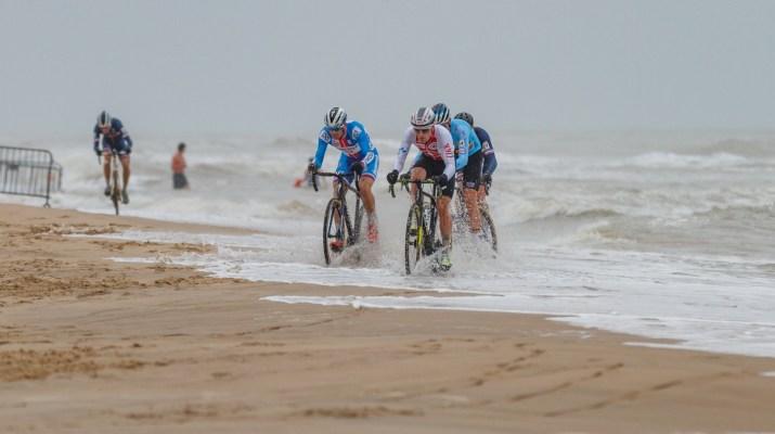 Zdenek Stybar Kevin Kuhn Poursuite - Championnats du monde de cyclo-cross 2021 - Alain Vandepontseele