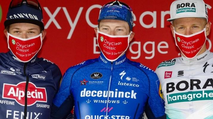 Jasper Philipsen Sam Bennett Pascal Ackermann - Podium Hommes Oxyclean Classic Bruges-La Panne 2021 - Bora-Hansgrohe Bettiniphoto.jpg