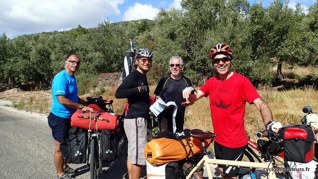 Les trois cyclistes pas gays