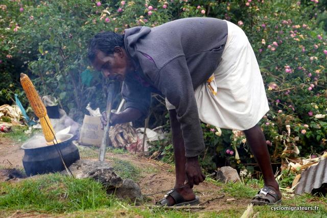Vendeur de maïs grillé