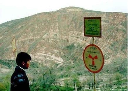 miniera di uranio abbandonata a Mailuu-Suu