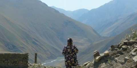 Old woman in Xinaliq (Kinalug)