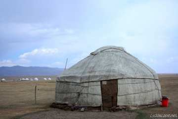 Song Kul: a Lake Close to Heaven (or fat your herds and get away) 28