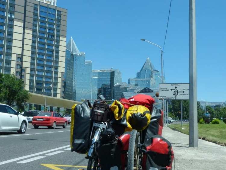 cicloturismo ad Almaty
