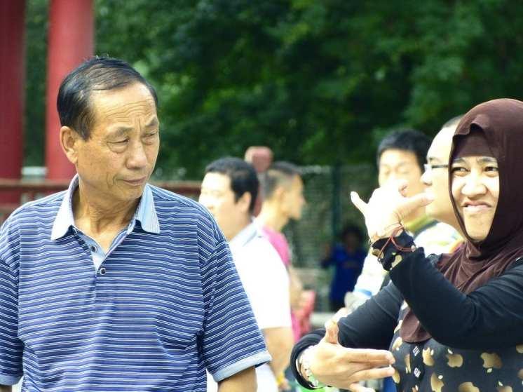 balli di gruppo al People's Park, la danza va oltre l'etnia