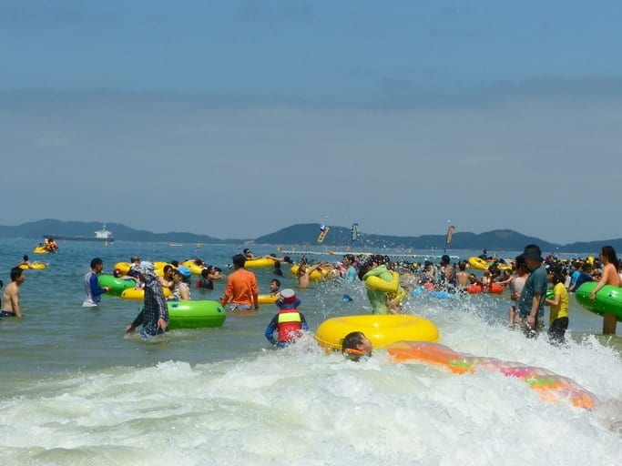 boryeong mud fest Daecheon beach