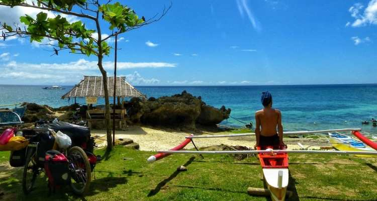 Budget travel the Philippines with less than 10$ a day: for bicycle touring & adventurous backpackers 24
