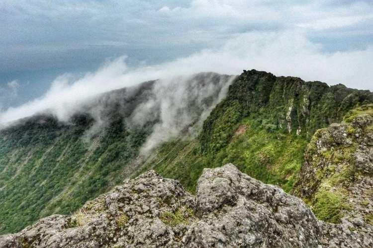 Kirishima - mt. Shimonoe - cratere Karakuni