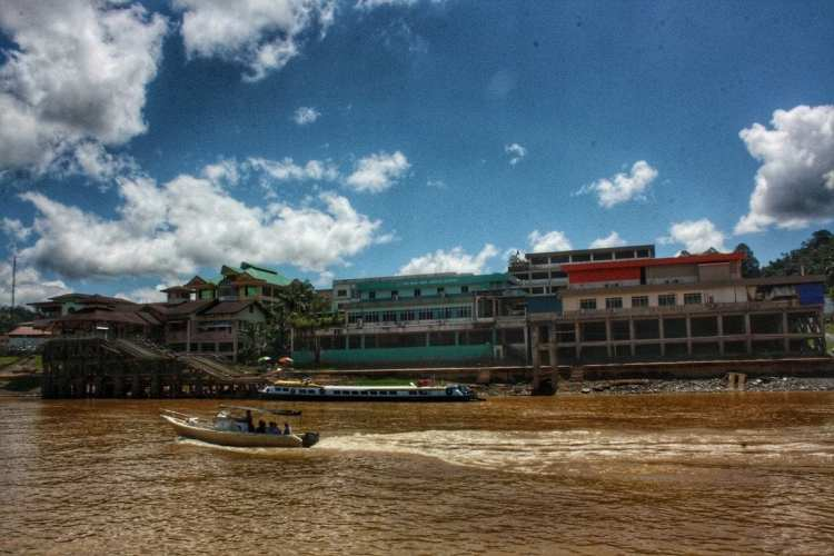 Public boat Belaga - Kapit - Sibu low coast cruise rajang river