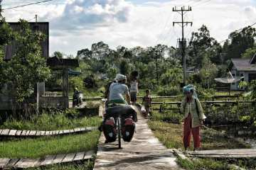Budget Travel in Borneo - hints for bike travelers and adventurous backpackers 24