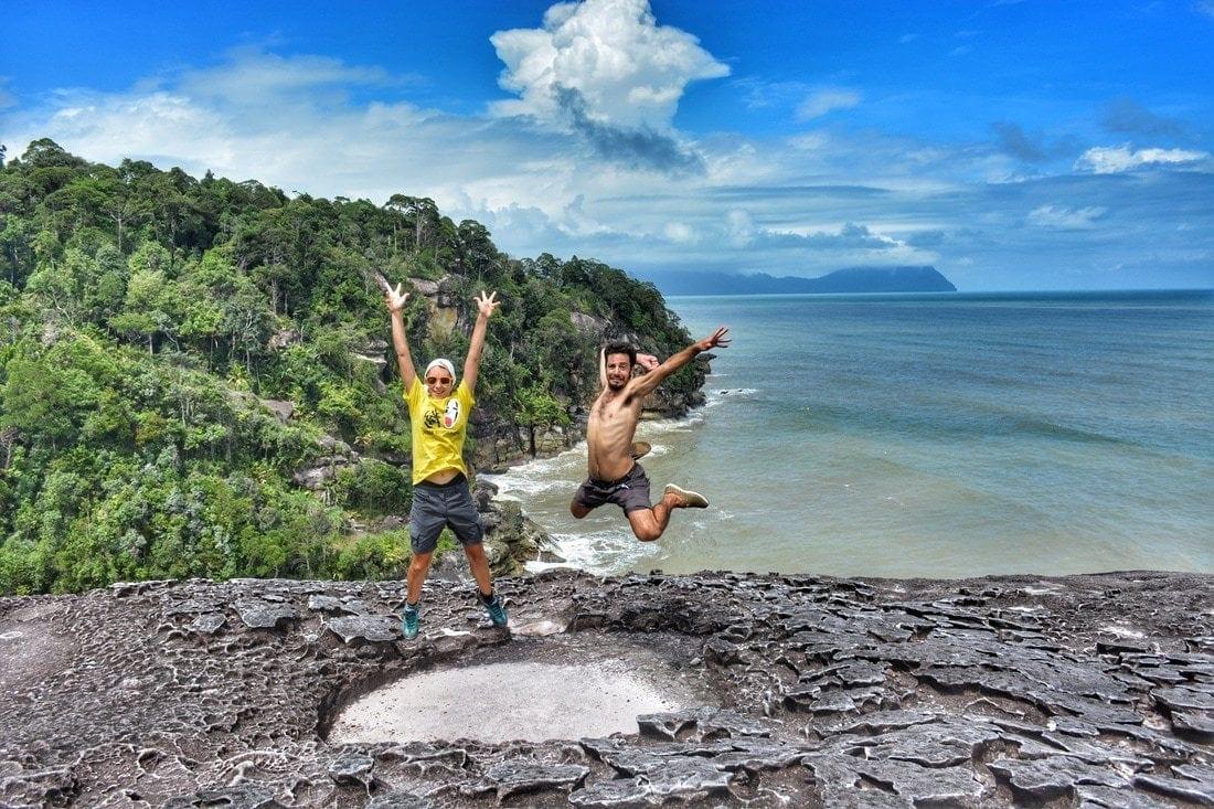 la scogliera rocciosa di Pandan Besar, la spiaggia più famosa di Bako