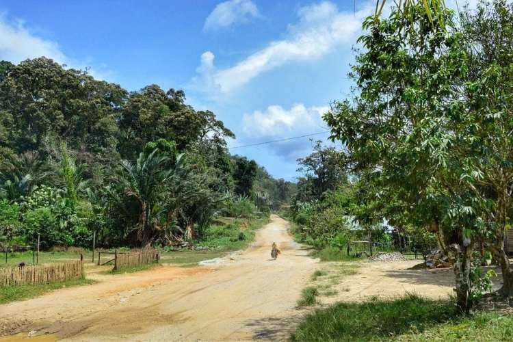 Overland border crossing Sarawak - Kalimantan